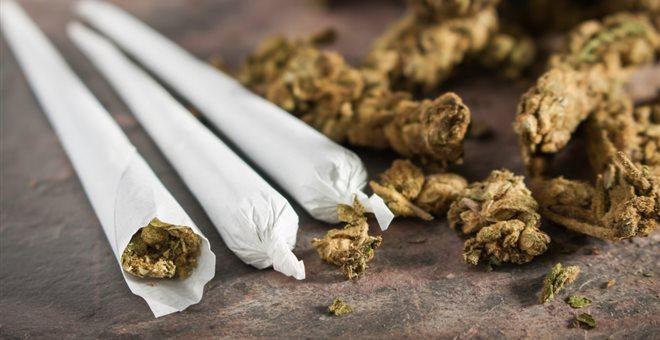 Έρευνα: Οι έφηβοι που καπνίζουν μαριχουάνα κινδυνεύουν με κατάθλιψη