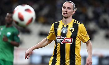 Χουλτ: «Καλή σεζόν για εμένα, είμαι χαρούμενος στην ΑΕΚ»