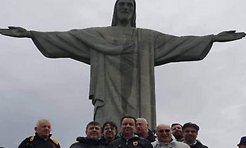 Αντιπροσωπεία της ΑΕΚ στο άγαλμα του Χριστού (pics)