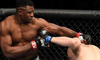UFC: Σε 26 δεύτερα νίκησε τον Βελάσκες ο Ενγκάνου (video)