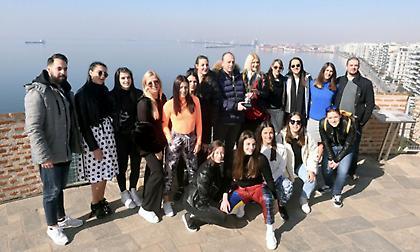 Στον Λευκό Πύργο με την Κούπα τα κορίτσια του ΠΑΟΚ! (pics)