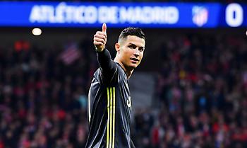 Έδειξε τα... πέντε Champions League στους οπαδούς της Ατλέτικο ο Κριστιάνο (pics)