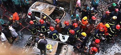 Τραγωδία στο Μπαγκλαντές: Πάνω από 70 οι νεκροί από πυρκαγιά σε κτίρια (pics/video)