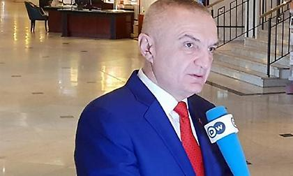 «Ιστορική η συμφωνία για το ονοματολογικό» λέει αλβανός πρόεδρος Μέτα
