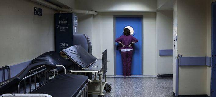 Στους 74 οι νεκροί από την γρίπη - Εξαφανίζονται από τα ράφια τα εμβόλια