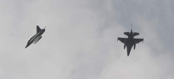 Νέες τουρκικές προκλήσεις στο Αιγαίο: Παραβιάσεις και μία εικονική αερομαχία