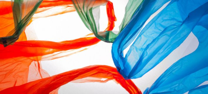 «Κόκκινη κάρτα» στις πλαστικές σακούλες βγάζει η Κύπρος