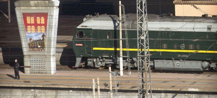 Μπήκε στο τρένο του για Βιετνάμ ο Κιμ Γιονγκ Ουν - Πάει να συναντήσει τον Τραμπ