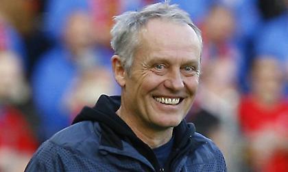 Συνεχίζει... ακάθεκτος ο μακροβιότερος προπονητής στη Bundesliga