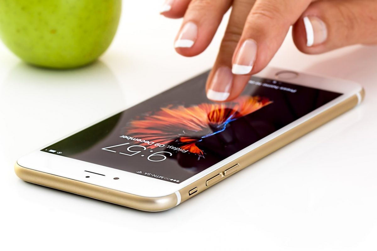 Iphone που «διπλώνει» - Έρχεται το κινητό που θα ενθουσιάσει όλους τους χρήστες
