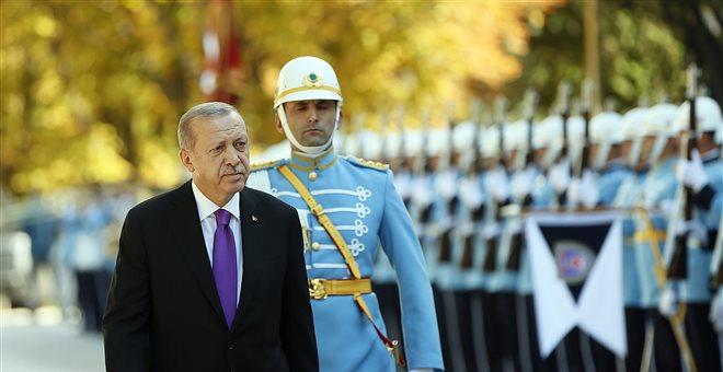 Ζόρια για τον Ερντογάν - Σε ύφεση η τουρκική οικονομία