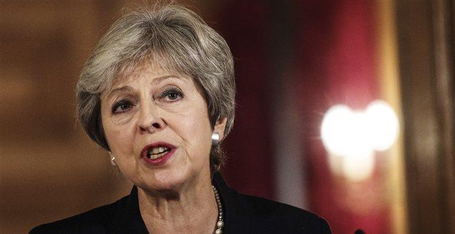 Συστάσεις προς Μέι για νέα αναβολή της ψηφοφορίας του Brexit λόγω αδιεξόδου