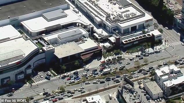 Λος Αντζελες: Πληροφορίες για ένοπλο σε εμπορικό κέντρο