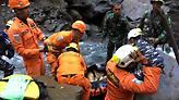 Ογδόντα νεκροί και δεκάδες αγνοούμενοι από πλημμύρες στην Ινδονησία