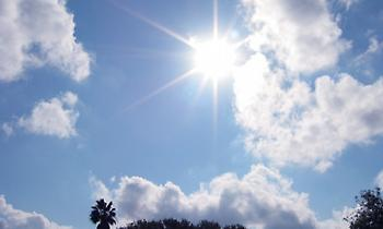 Καλός ο καιρός και σήμερα, μέχρι 24 βαθμούς η θερμοκρασία