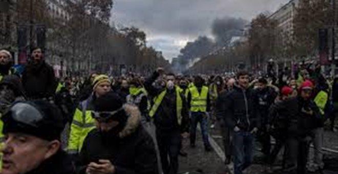 Κίτρινα γιλέκα: Μαζικές συλλήψεις και άμεση διάλυση κινητοποιήσεων από Αρχές