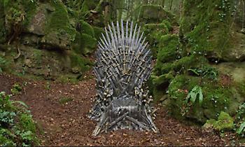 Game of Thrones: Αναζητήστε τους... χαμένους Σιδερένιους Θρόνους σε όλο τον κόσμο (pics/video)