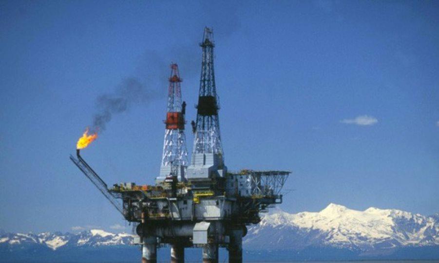 «Φλερτάρει» με τα 60 δολάρια το πετρέλαιο