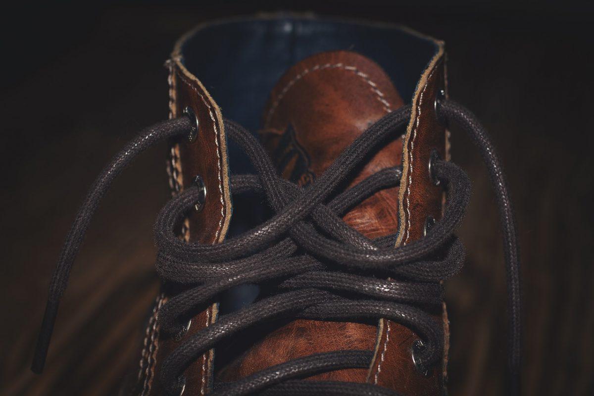 Κορδόνια παπουτσιών: Το viral βίντεο με διαφορετικούς τρόπους να τα δέσετε