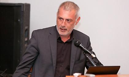 Απάντηση Μώραλη σε Π. Κόκκαλη: «Απουσίαζε γιατί προσέφερε στην κοινωνία ο Μαρινάκης»