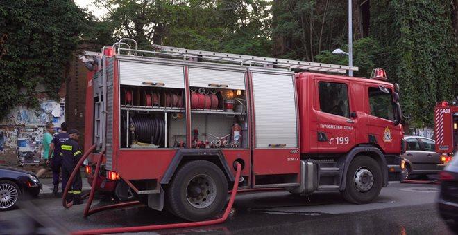 Φωτιά στο υπόγειο πάρκινγκ πολυκαταστήματος στο Αιγάλεω