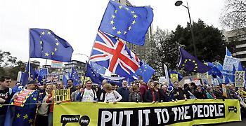 Πορεία στο Λονδίνο με αίτημα τη διεξαγωγή νέου δημοψηφίσματος για Brexit