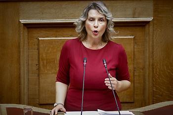 Κατερίνα Παπακώστα: Ανατροπή-Δεν κατεβαίνει με τον ΣΥΡΙΖΑ στις εκλογές