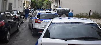 Θεσσαλονίκη: Κινηματογραφική καταδίωξη διακινητών-Το αυτοκίνητο καρφώθηκε σε τοίχο, δυο τραυματίες