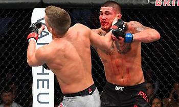Με superman punch το νοκ-άουτ του Πέτις στο UFC (video)