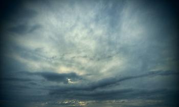 Χαλάει ο καιρός σήμερα-Πτώση της θερμοκρασίας και βροχές