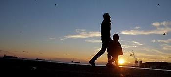 Μέχρι σήμερα το μεσημέρι οι αιτήσεις για το επίδομα παιδιού