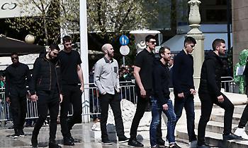 Σύσσωμη η ομάδα του Παναθηναϊκού αποχαιρέτησε τον Θανάση Γιαννακόπουλο (pics)