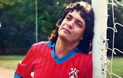 Κάρλος «Κάιζερ»: Η θρυλική ιστορία του μεγαλύτερου ποδοσφαιρικού απατεώνα