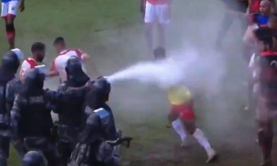 Απίστευτα επεισόδια μεταξύ παικτών στη Βραζιλία
