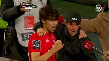 Σπάνια στιγμή: Ο Ζοάο Φέλιξ πανηγύρισε το γκολ με τον μικρό αδερφό του (video)