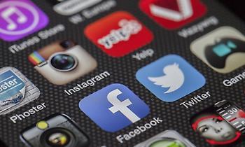 Στα δικαστήρια το Facebook με ελληνική εταιρεία
