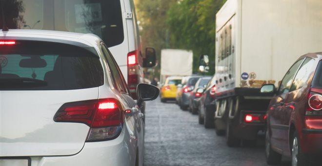 Κυκλοφοριακό κομφούζιο στις λεωφόρους Αθηνών και Σχιστού λόγω έργων