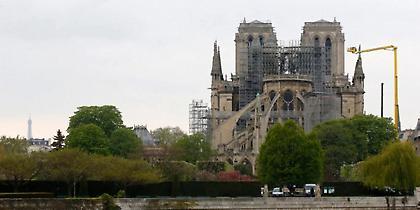 Σχέδια να χτιστεί ξύλινος ναός στο προαύλιο της Παναγίας των Παρισίων!