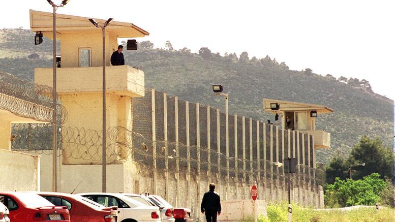 Αιφνιδιαστική επιχείρηση στις φυλακές Αυλώνα