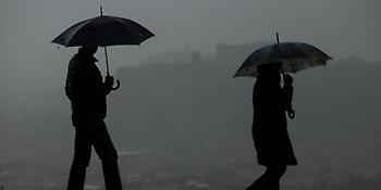 Αστατος ο καιρός και σήμερα -Πού θα «χτυπήσουν» βροχές και καταιγίδες