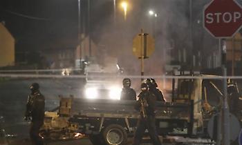 Νεκρή νεαρή δημοσιογράφος από πυρά του «Νέου IRA» στη Β. Ιρλανδία