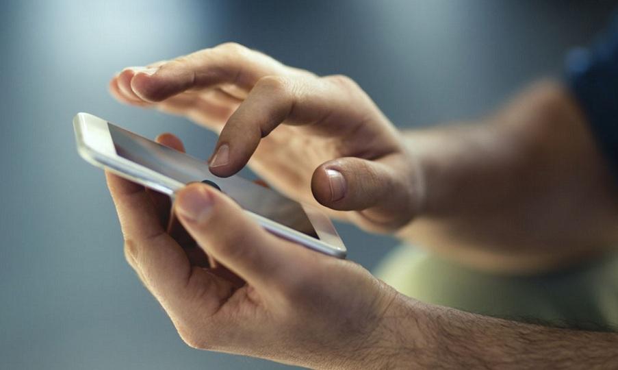 Το βίντεο που ανησυχεί πολλούς κατόχους κινητών - Δείτε τι συμβαίνει με τα δακτυλικά αποτυπώματα