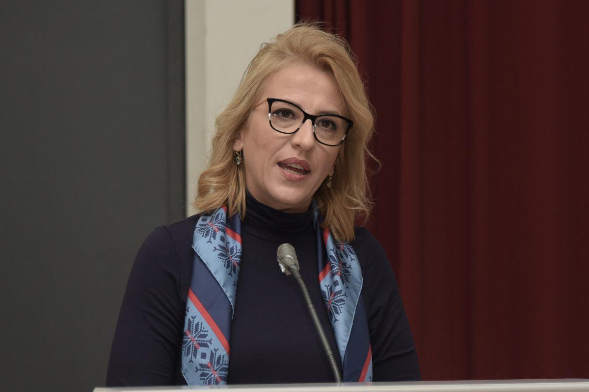 Ρένα Δούρου: Καταγγέλλει κακόβουλη και παραπλανητική εκστρατεία με sms, από δήθεν λογαριασμό της