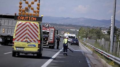 Θεσσαλονίκη: Συνελήφθη οδηγός που μετέφερε με φορτηγό 59 μετανάστες