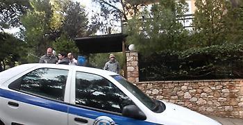 Θεσσαλονίκη: Πέταξε τη σύζυγό του από το αυτοκίνητο