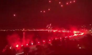 Ξενυχτάει η Θεσσαλονίκη: Οι φίλοι του ΠΑΟΚ έστησαν γιορτή για το πρωτάθλημα (vids)