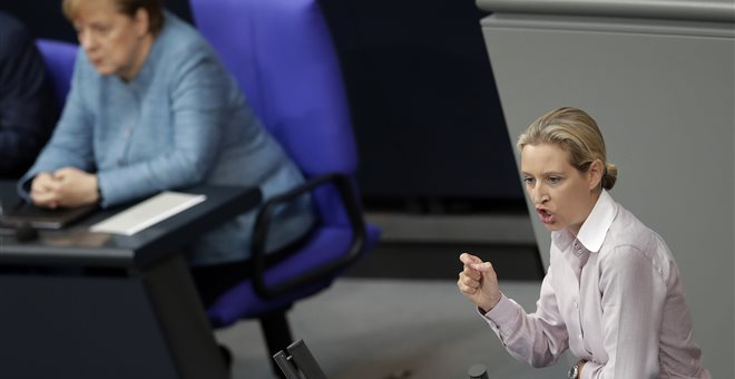Ενισχύεται η ακροδεξιά στη Γερμανία, υποχωρεί το κόμμα της Μέρκελ