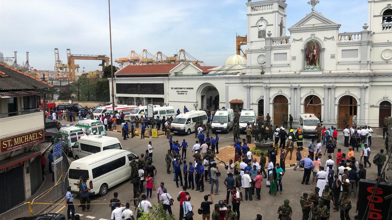 Πολύνεκρες επιθέσεις σε εκκλησίες & ξενοδοχεία στη Σρι Λάνκα