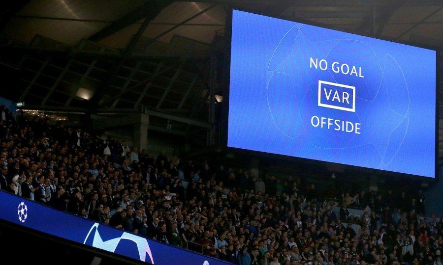 0a60a216025 Το VAR καταστρέφει το ποδόσφαιρο ή μήπως το σώζει; - sport-fm.gr ...