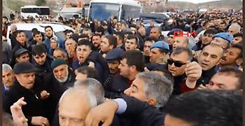 Τουρκία: Επίθεση με γροθιές δέχθηκε ο αρχηγός της αντιπολίτευσης (vid/pics)